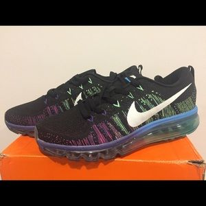 Brand New Nike Flyknit Max Running Shoes